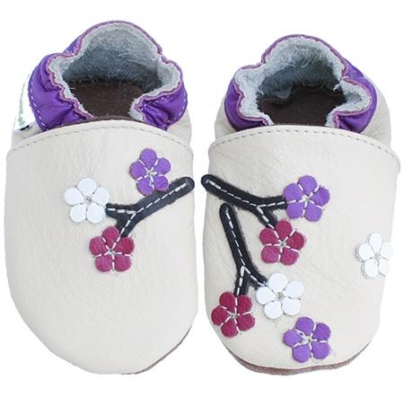 chaussons bébé fleurs de cerisiers crème